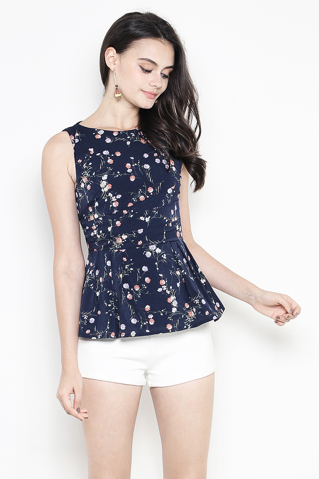 Verena Top Navy Floral