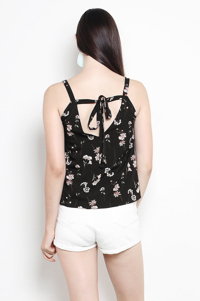 Carin Top Black Floral