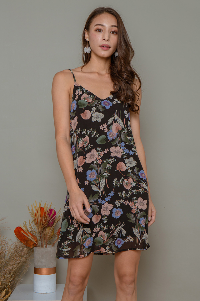 Esmay Floral Dress Black