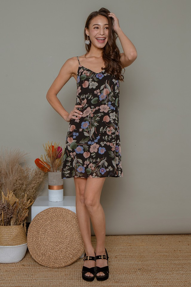 Esmay Floral Dress Black