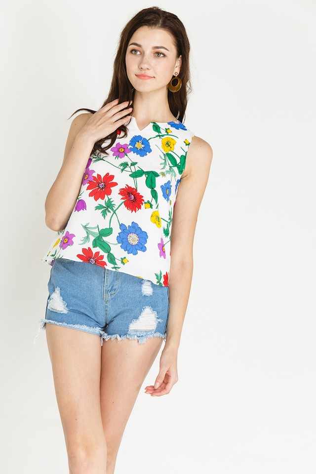 Anisa Top White Floral