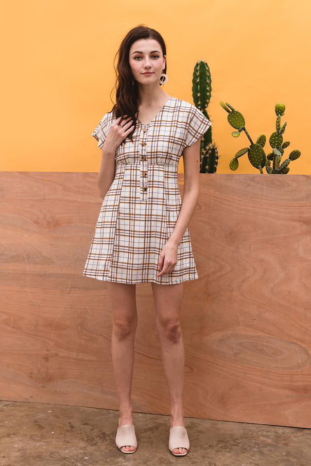 Katelynn Dress Crème Checks