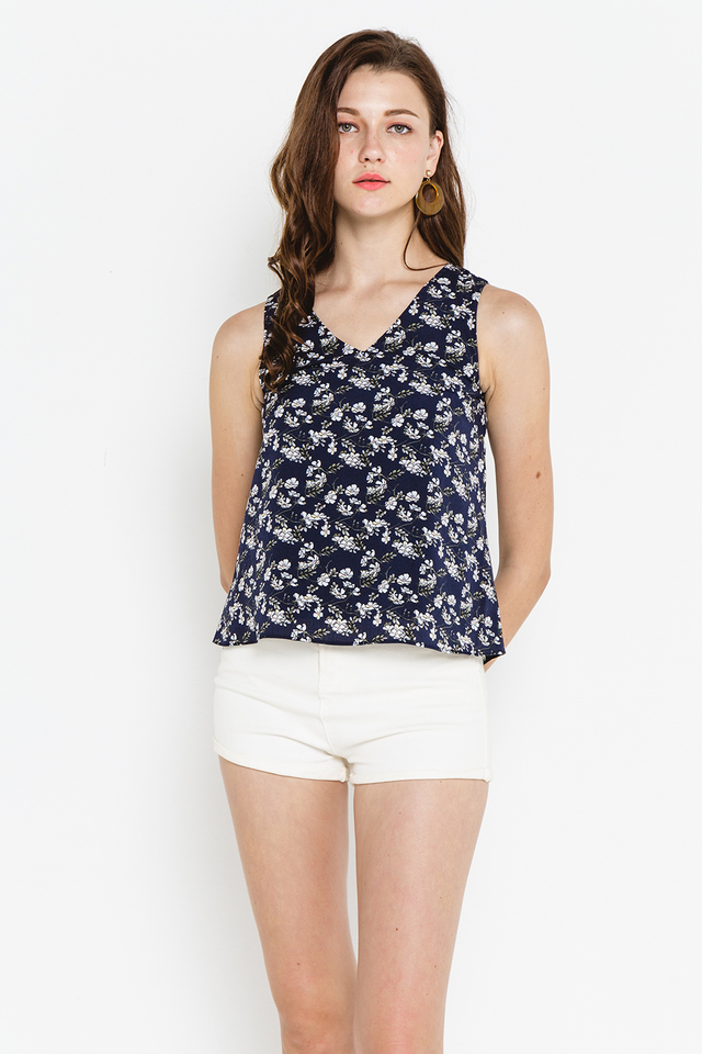 Estee Top Navy Floral