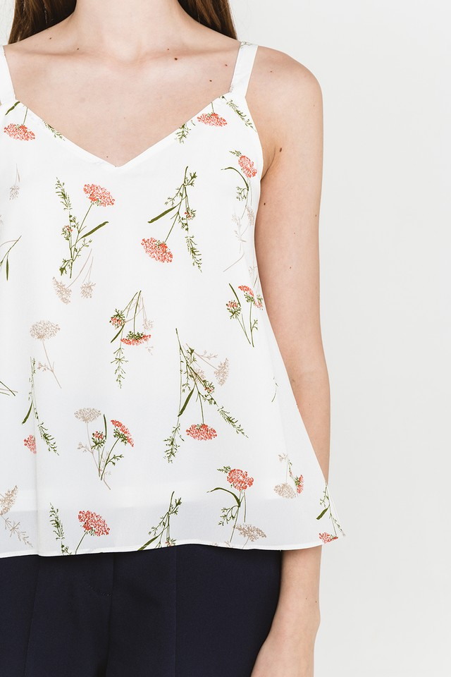 Everly Top White Floral