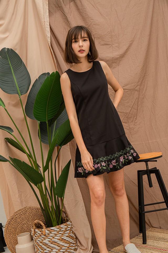 Daina Embriodery Dress Black