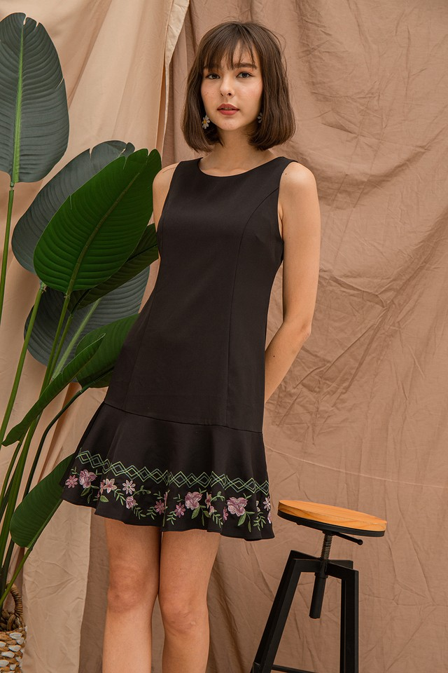 Daina Embriodery Dress Black