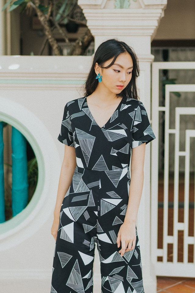 Zayne Jumpsuit Black Abstract