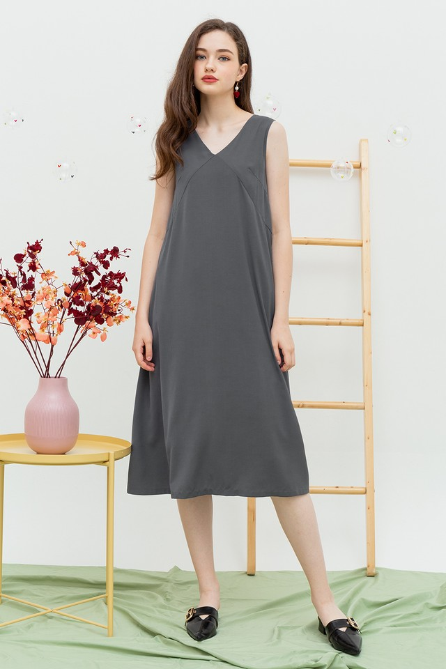 Carlynn Dress Grey
