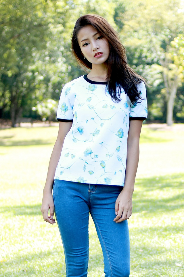 SSD Brushstroke Outline Top (White)
