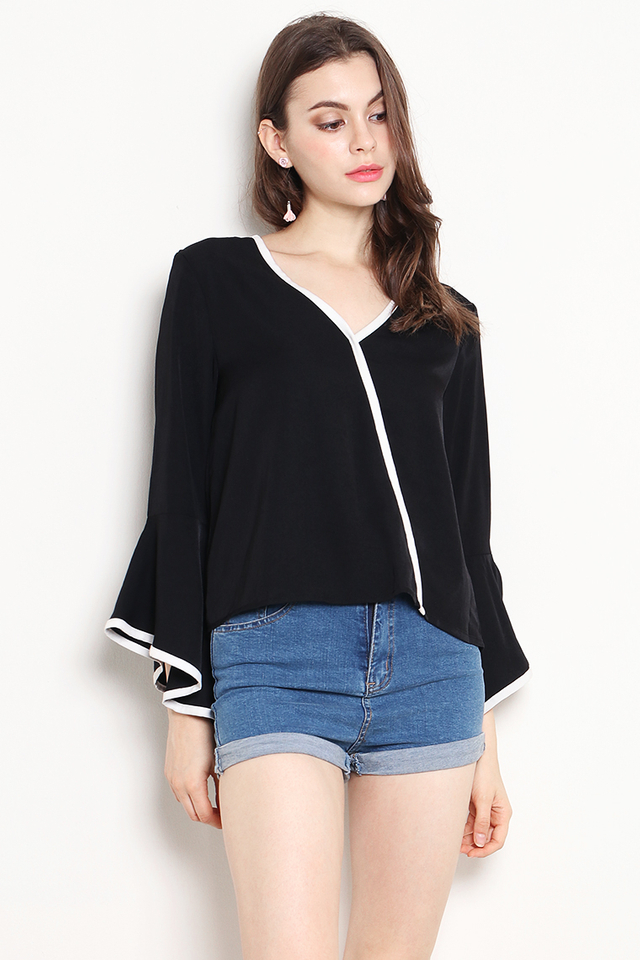 Shirina Outline Top Black