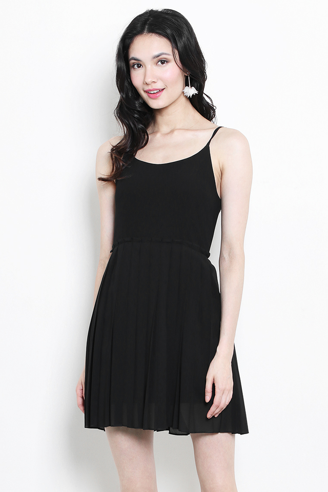 Zeyda Pleat Dress Black